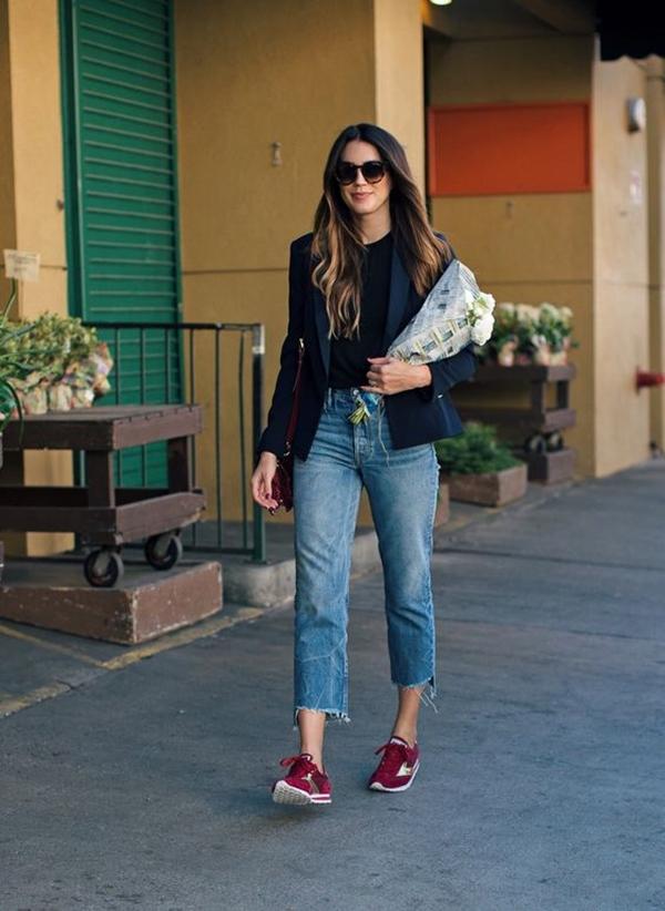 разновидность высокие вишневые кеды с чем носить фото итальянский