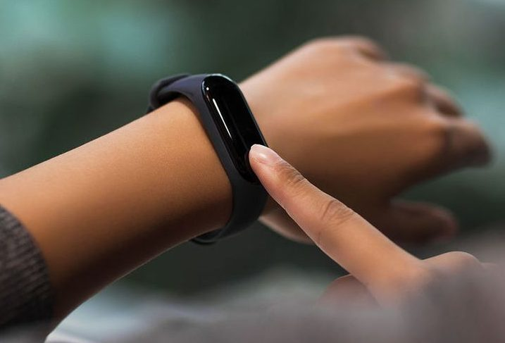 Как подключить фитнес браслет к телефону Андроид